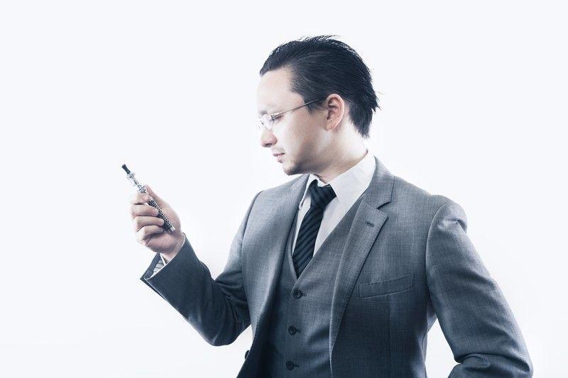 電子タバコを使うかどうか迷っている